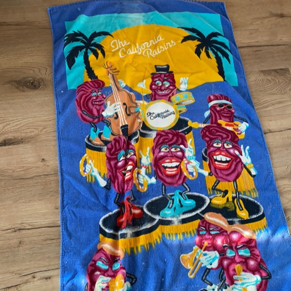 1987 Vintage CALIFORNIA RAISINS BEACH TOWEL Euc